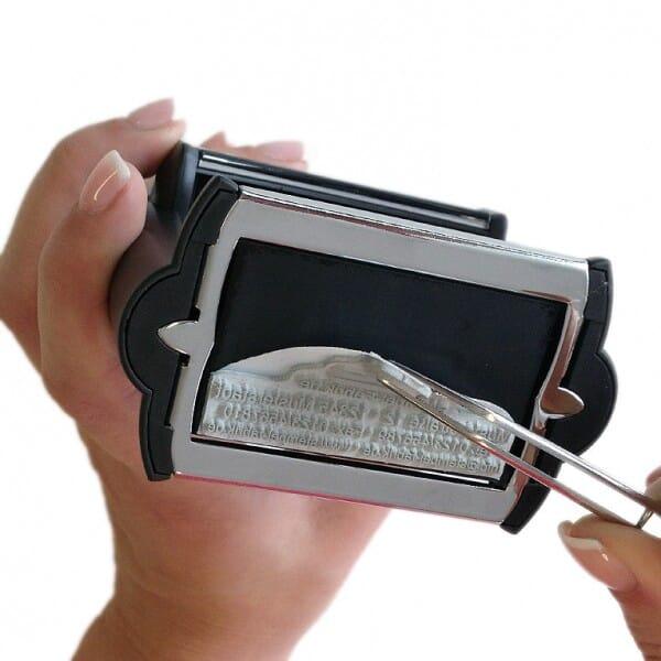 Textplatte für Trodat Professional 5207 - 60 x 40 mm - 8 bis 9 Zeilen inkl. Ersatzkissen