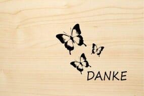 Holzgrusskarte - Danke - mit drei Schmetterlingen