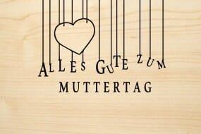 Holzgrusskarte - Muttertag - Alles Gute zum Muttertag. Herz abgebildet.